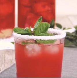 西瓜做成饮料